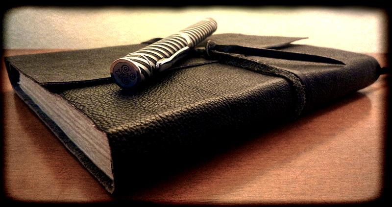 Cuaderno y pluma estilográfica
