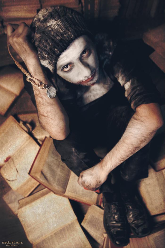 Foto del teclista de Mondo Diávolo que inpira un relato sobre el tiempo