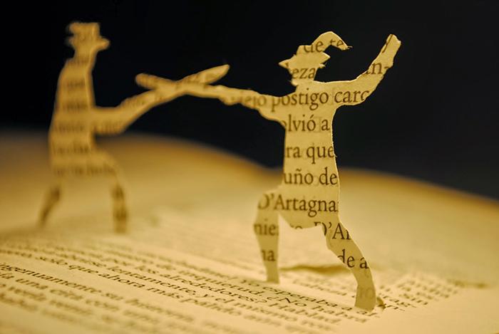 Mosqueteros de papel para conmemorar el día del libro