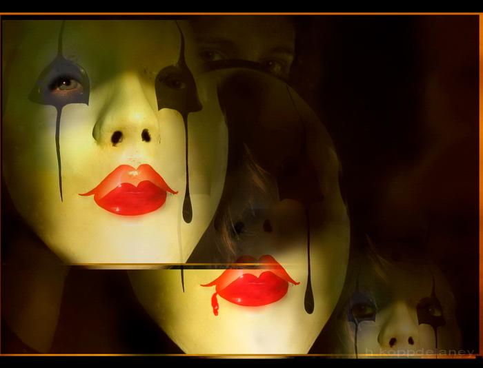 Imagen de máscaras venecianas para ilustrar un texto sobre los peligros de empearse en tener razón