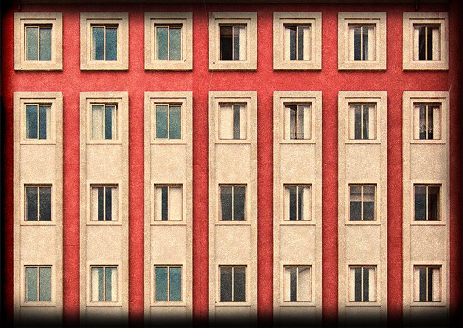 Fachada roja para Habitación Libre 1