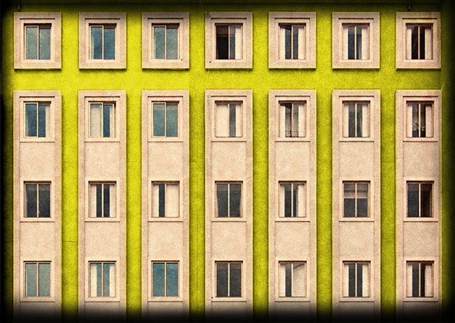 Fachada amarilla para Habitación Libre 1